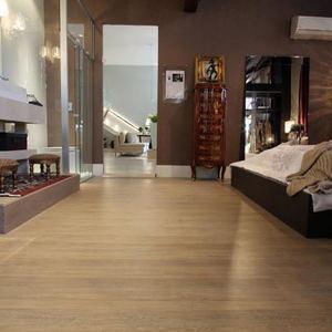 Pisos de madeira pisos para decks e laminados leroy merlin for Pisos de porcelanato para sala
