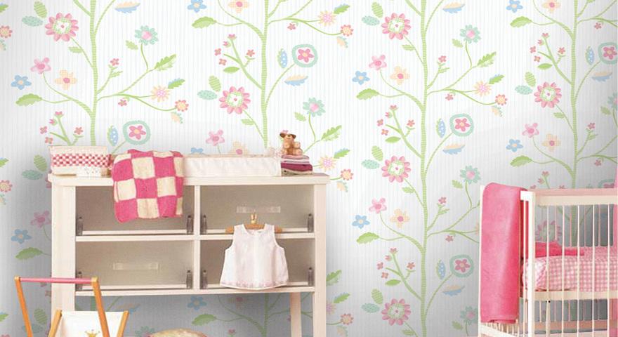 Quarto infantil para bebê com papel de parede