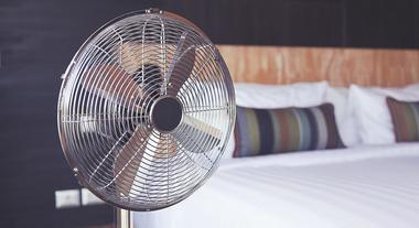 4 dicas para manter os ventiladores de teto, parede ou coluna limpos e livres de poeira