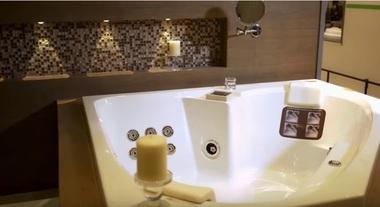 Aprenda a escolher banheiras, spas e ofurôs