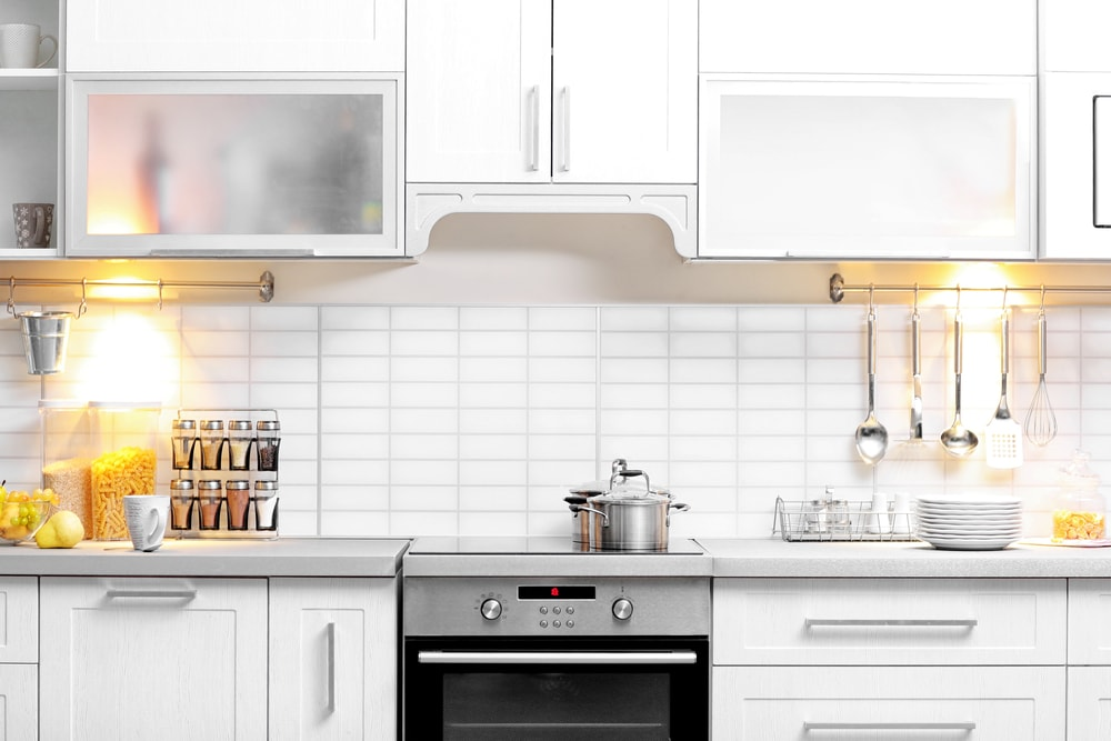 Aprenda a pintar os azulejos do banheiro e da cozinha - Pintura para azulejos leroy merlin ...