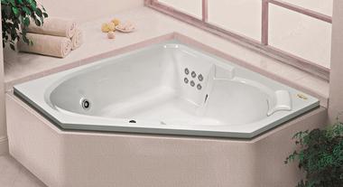 Banheira com hidromassagem: quanto custam os modelos em média e o que você precisa ter em casa para instalar uma