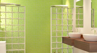 Banheiro com pastilha e bloco de vidro