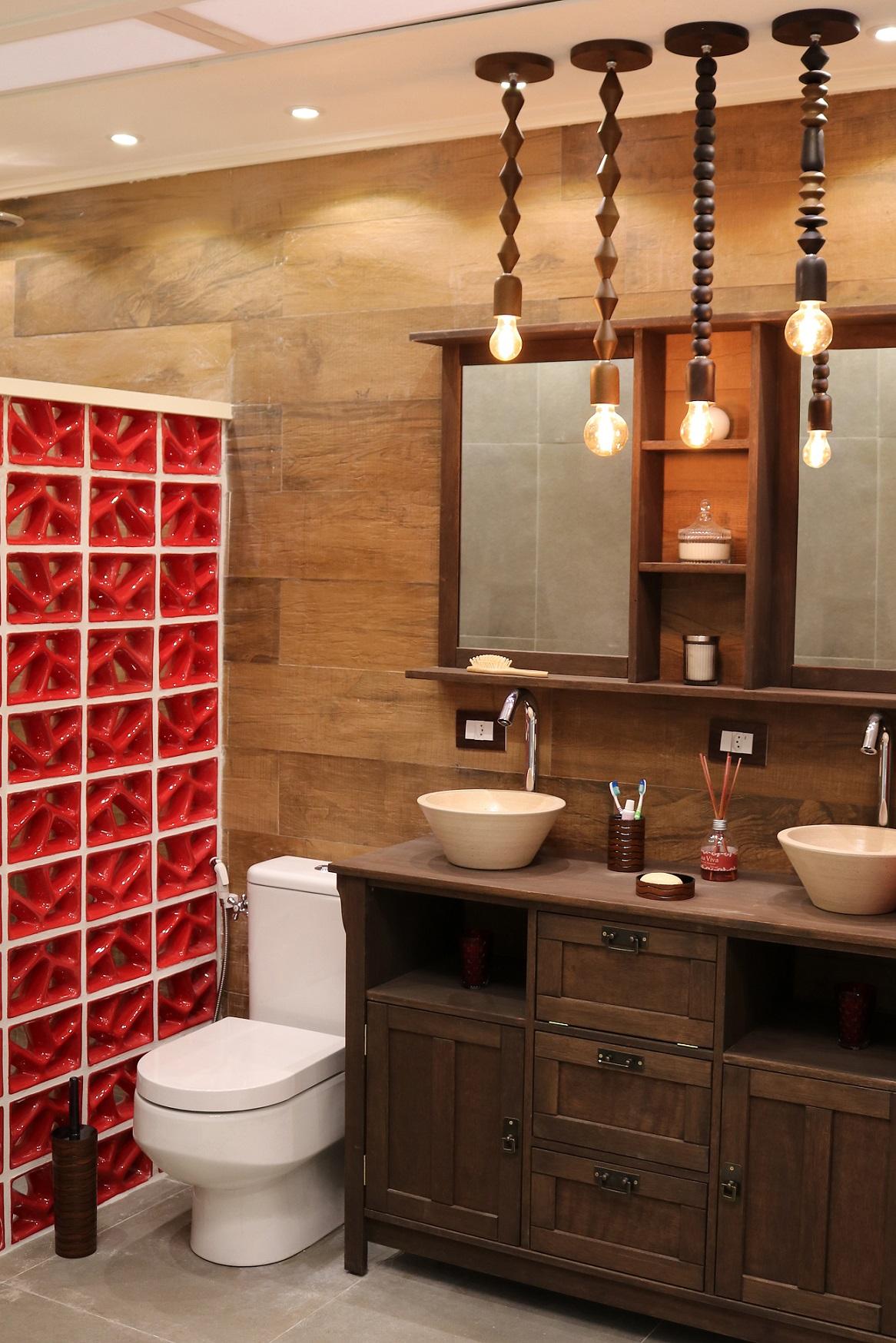 Banheiro pequeno com cobog s vermelhos leroy merlin for Lavabos pequenos leroy merlin