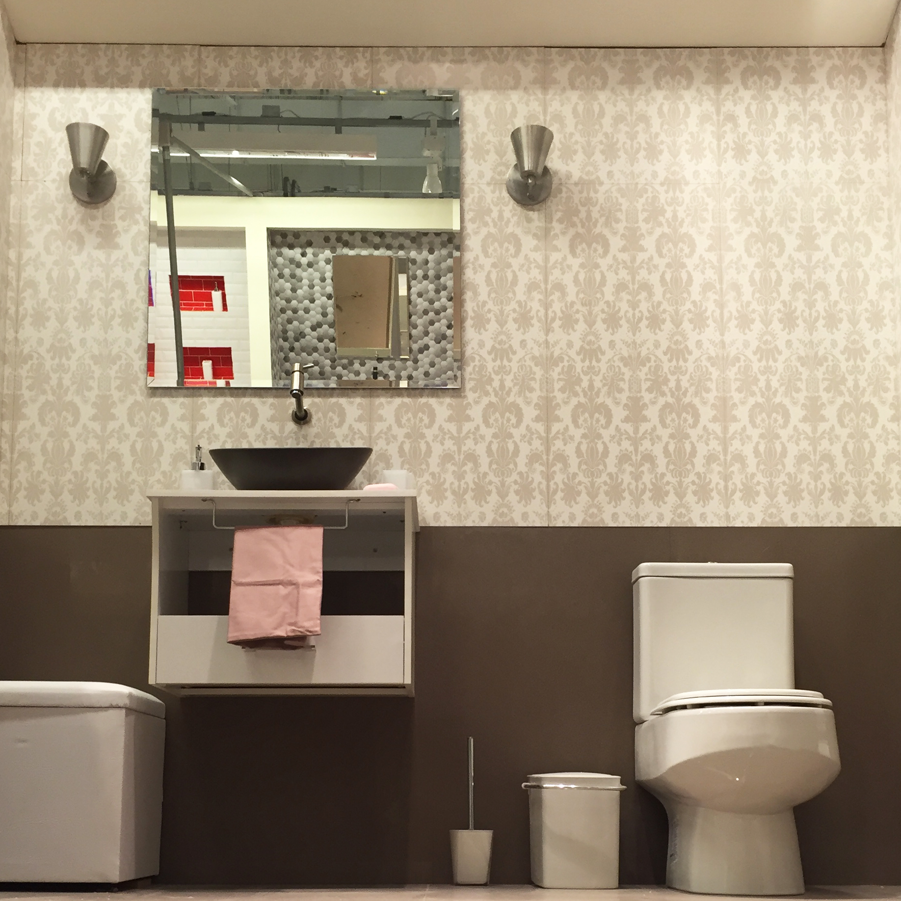 Banheiro pequeno e confort vel leroy merlin for Lavabos pequenos leroy merlin