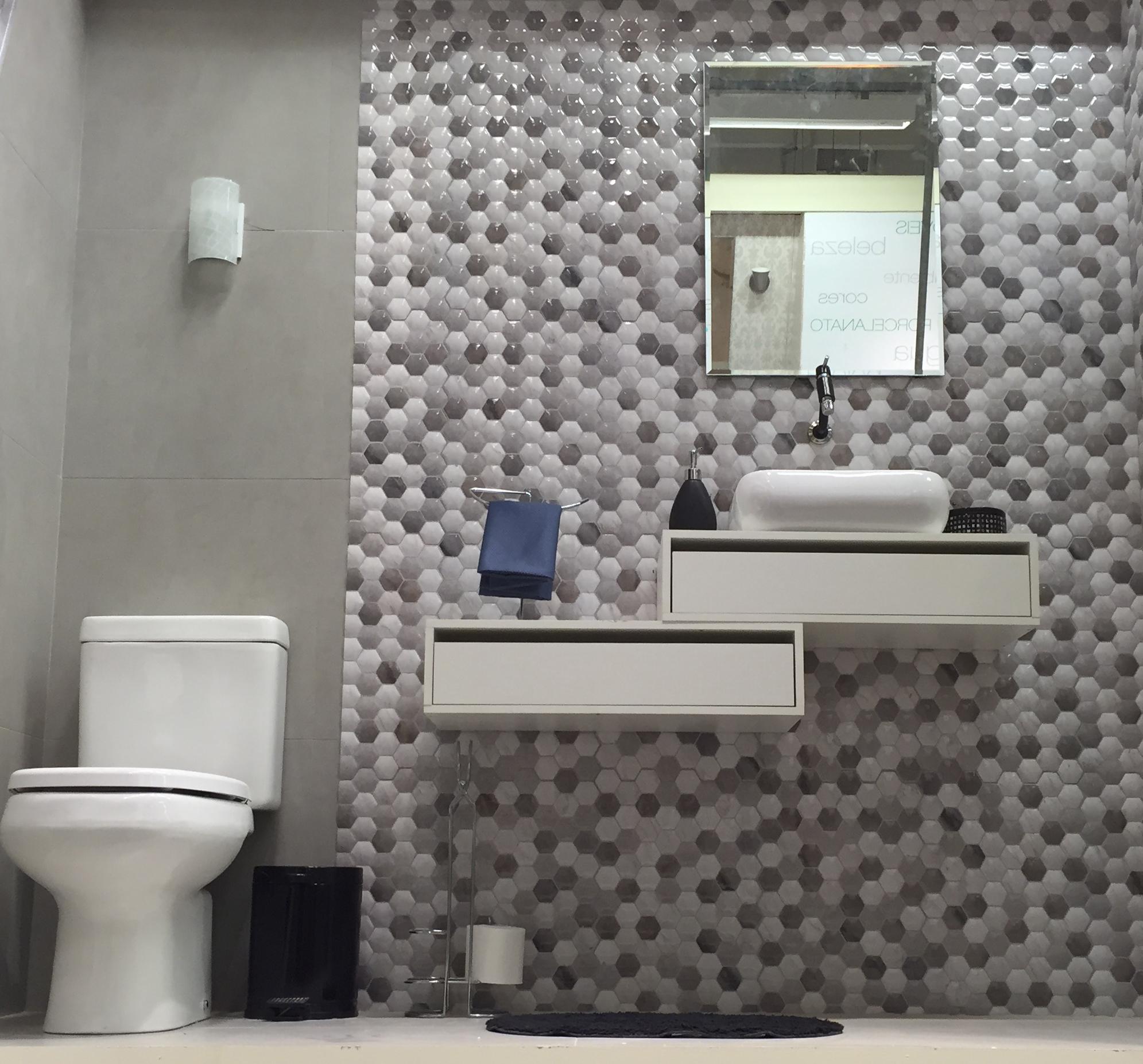 Banheiro pequeno e neutro leroy merlin for Lavabos pequenos leroy merlin