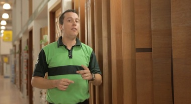 Como escolher uma porta de madeira para o seu ambiente?