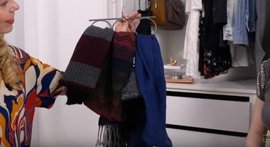 Como organizar roupas depois do inverno: aprenda a ganhar espaço no armário guardando o que não será usado