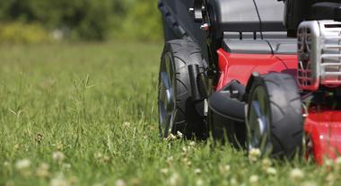 Conheça as características dos cortadores de grama à gasolina