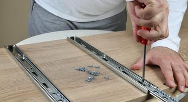 Corrediça simples, oculta ou telescópica: descubra o melhor tipo para a sua gaveta