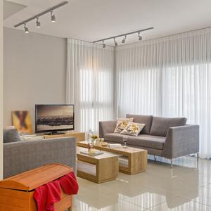Cortina ou persiana qual a melhor escolha para a janela for Azulejo para pared de sala