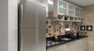 Cozinha compacta com revestimento de parede