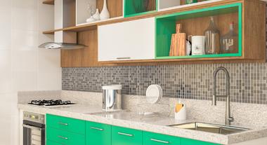 Cozinha espaçosa com detalhe verde