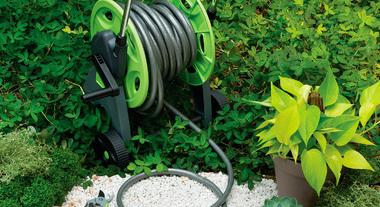 Cuide bem do seu jardim com as ferramentas manuais