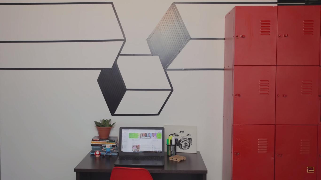 Decoração com fita isolante: Paulo Biacchi ensina a fazer dois modelos de tape art que mudam uma parede gastando bem pouco
