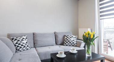 Decoração de sala pequena: um guia com ideias inteligentes e fotos de salas decoradas para você se inspirar