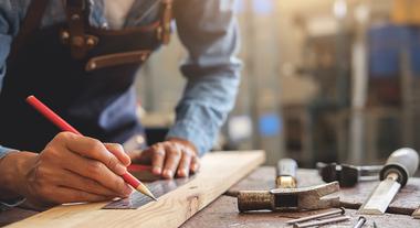 Decoração e artesanato com madeira: tudo o que você precisa saber para criar suas peças usando chapas desse material