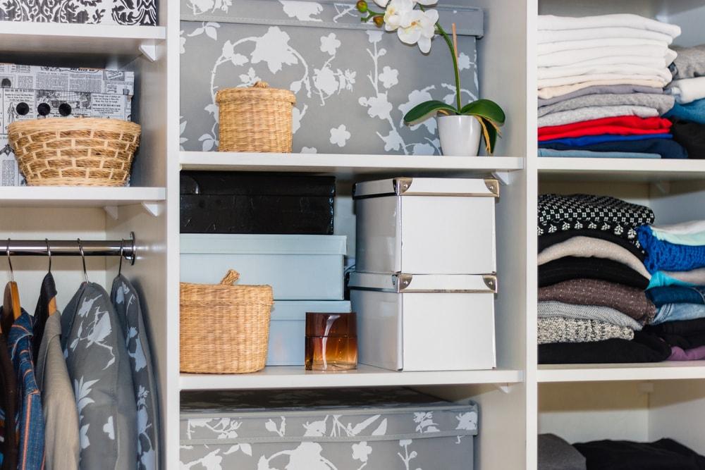 Dicas de organiza o de casa ideias para arruma o mais simples - Ideas para organizar el armario ...