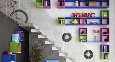 Dois em um: nichos organizam e decoram o quarto das crianças