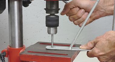 Furadeira de bancada permite trabalhos em materiais resistentes