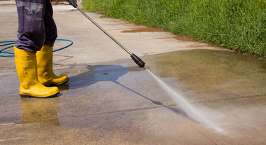 Lavadoras de alta pressão são soluções mais práticas e eficientes para limpeza de pisos e paredes