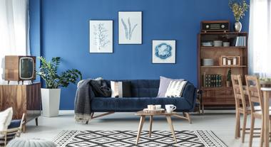 O jeito certo de pendurar quadros e outros 3 erros de decoração que até os designers de interiores cometem: veja como evitar em casa