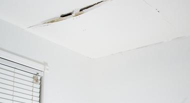 O que fazer para resolver infiltrações em paredes, lajes e pisos?