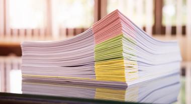 Organizar os papéis em casa não precisa ser um pesadelo: veja como dar um jeito nos documentos domésticos