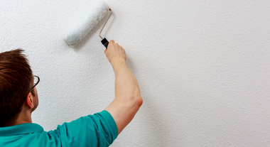 Pintar as paredes, trocar o piso, fazer armários: como valorizar o imóvel na hora da venda