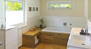 Piso para banheiro: arquiteta mostra os modelos mais usados, desde o porcelanato até os antiderrapantes