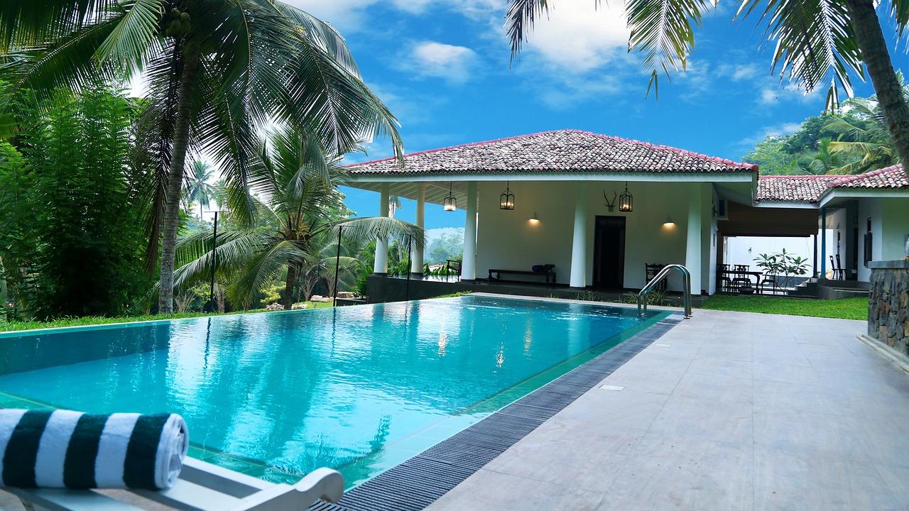 Veja op es de revestimentos para instalar na rea externa - Dream interpretation swimming pool ...