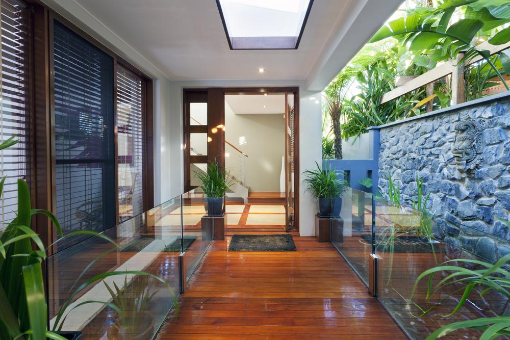 Plantas para jardim externo vertical de inverno tipos for Entrada de la casa moderna decoracion