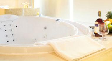 Principais diferenças entre banheiras de hidromassagem e ofurôs
