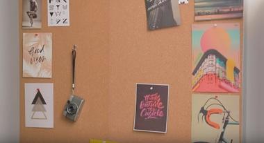 Quadro de cortiça: passo a passo de como fazer uma parede inteira do material para guardar inspirações