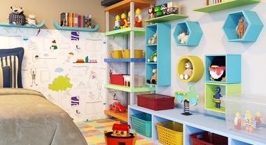 Quarto infantil com estante para brinquedos