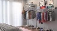 Quarto neutro com closet
