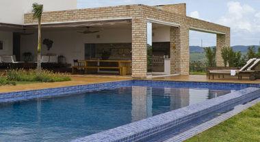 Revestimentos para piscina garantem beleza e segurança