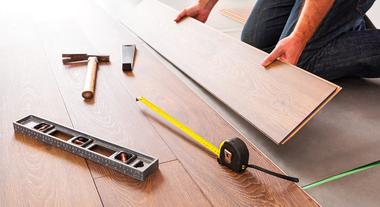 Saiba como instalar o piso laminado sem ajuda profissional