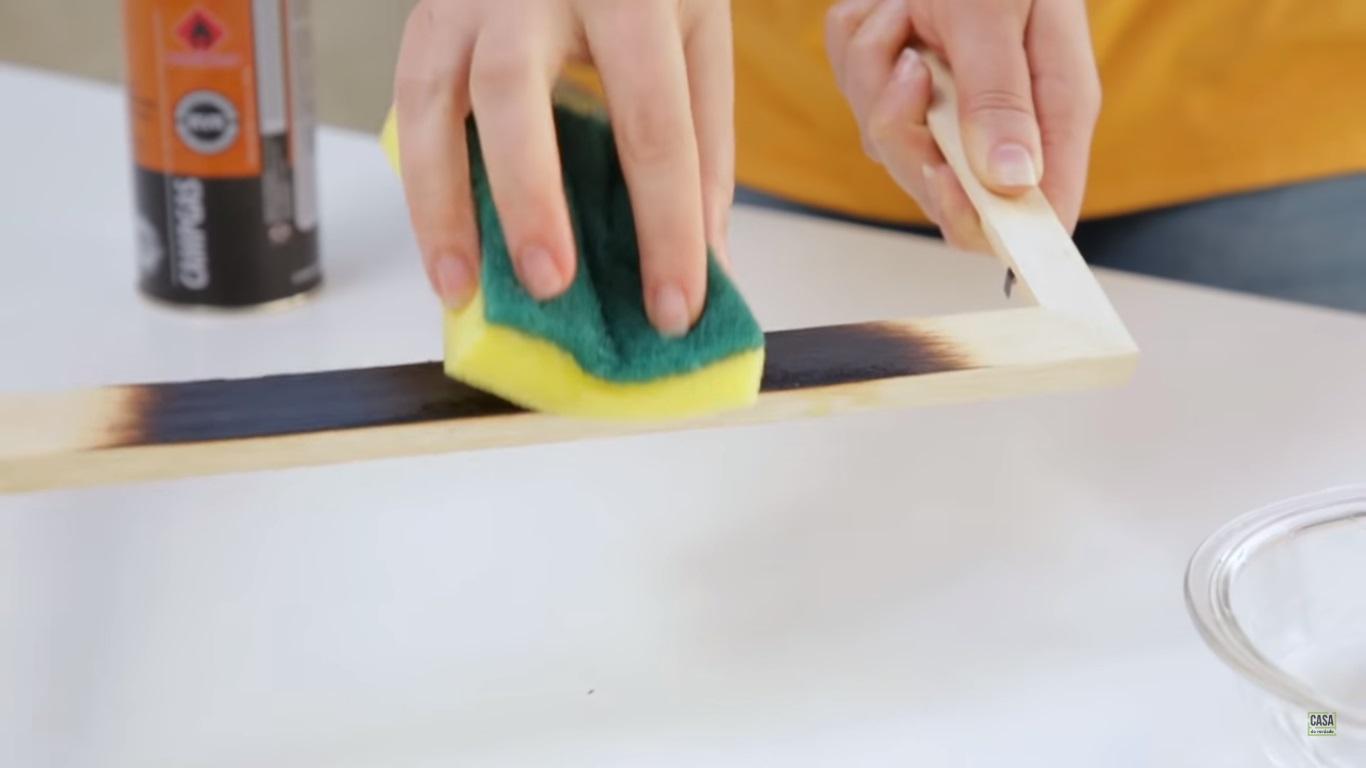Shou sugi ban: como fazer a técnica japonesa que transforma a madeira
