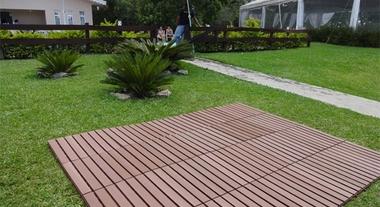 Sofisticação e modernidade nas áreas externas com os pisos para deck