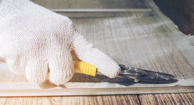 Sofre com mosquitos em casa? Aprenda a fazer uma tela mosquiteiro para janela