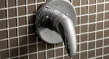 Tenha água na temperatura ideal para sua ducha com o monocomando