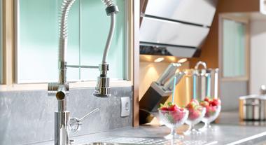 Torneira gourmet: o que faz o modelo monocomando que já virou desejo nas cozinhas modernas