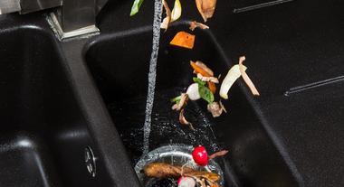 Triturador de alimentos: solução prática e higiênica para cuidar do lixo de casa
