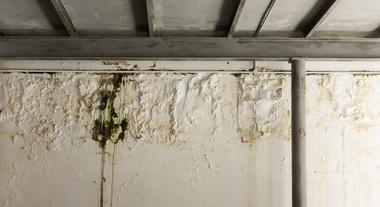 Vazamento de água em laje: como consertar ou vedar o local e resolver o problema