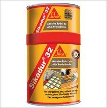 Adesiva Resina Epoxi Fluído Cinza Claro Sikadur 32 Lata 1 kg Colagem Concreto Metais