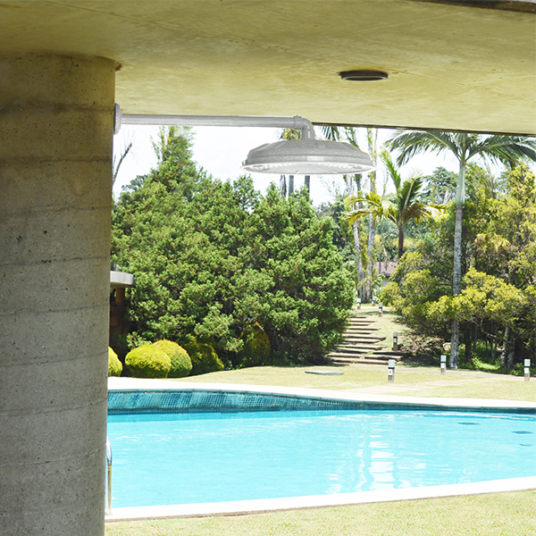 Ducha para piscina redonda parede branca igua u stamplas for Duchas piscina leroy merlin