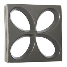 Elemento Vazado Acetinado Carbono Floral 30x30x8,5cm Essenza