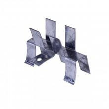 Peça fabricada industrialmente, em aço galvanizado.