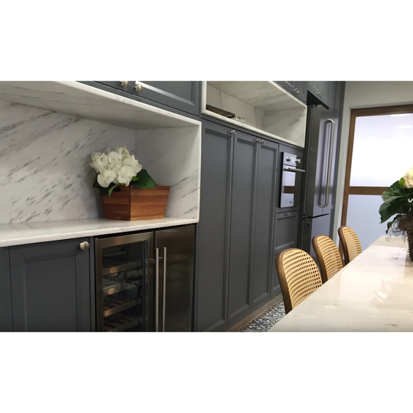 nicho marmore branco prime 30x40cm preto com fundo sem borda leroy merlin. Black Bedroom Furniture Sets. Home Design Ideas